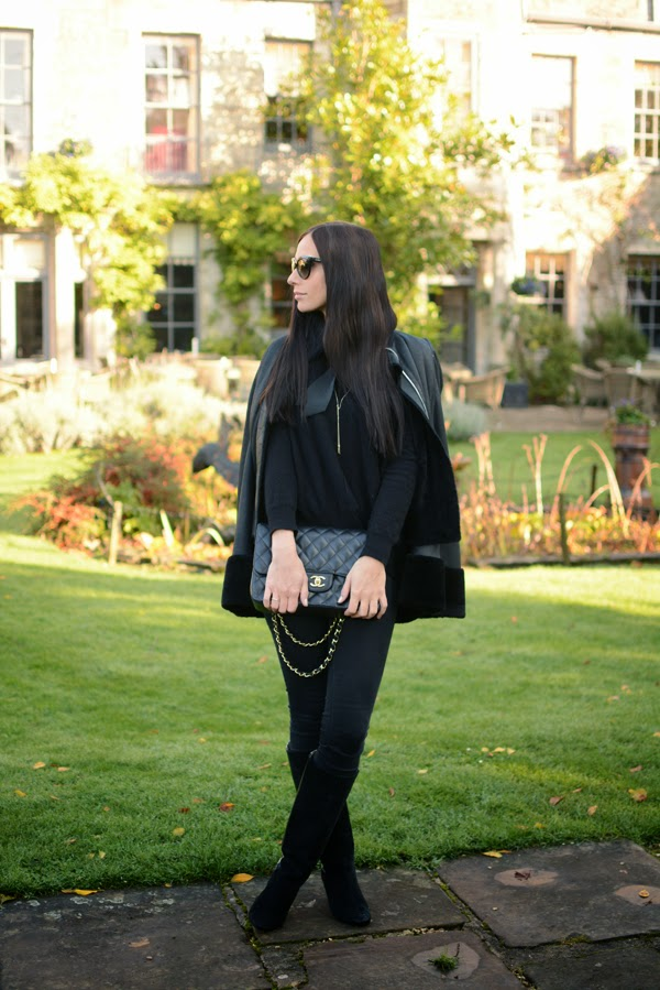 Outfit - Winter Fashion - Autumn Fashion - Chanel 255 - Leather Cape