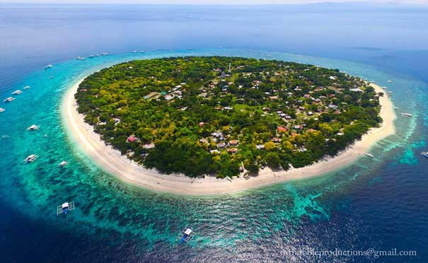 Best,Peaceful and Famous Tourist Spots Circle and White Beach in Balicasag Island Bohol Philippines 2018