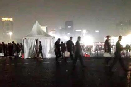 Diguyur Hujan, Acara Bukber Jokowi Berujung Berantakan