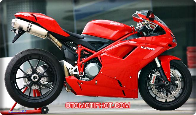 Gambar 10 Motor Tercepat di Dunia Tahun 2015 - Ducati 1098 series