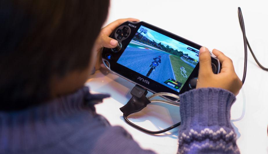 Cuantas horas deberían jugar los niños o adolescentes con videojuegos