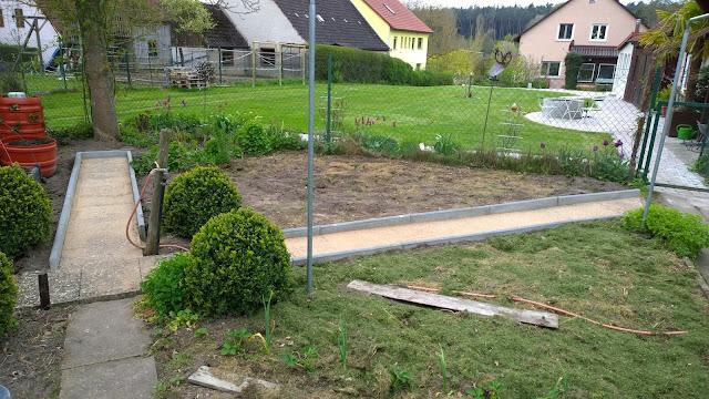 neue Wege im Gemüsegarten (c) by Joachim Wenk