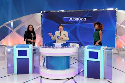 Cristina, Silvio e Jamily (Crédito: Lourival Ribeiro/SBT)