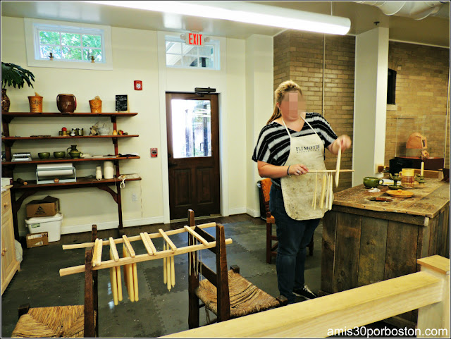 Plimoth Plantation: Velas en el Craft Center