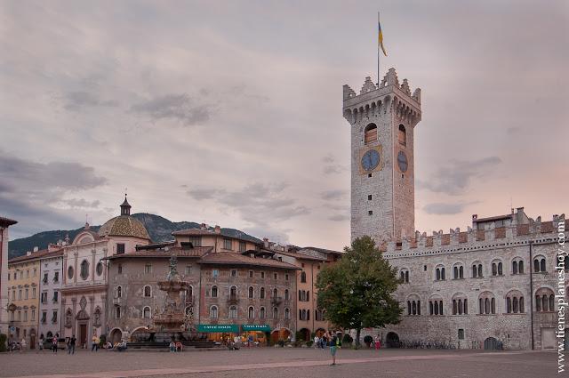 PLaza del Duomo Trento turismo viaje Italia