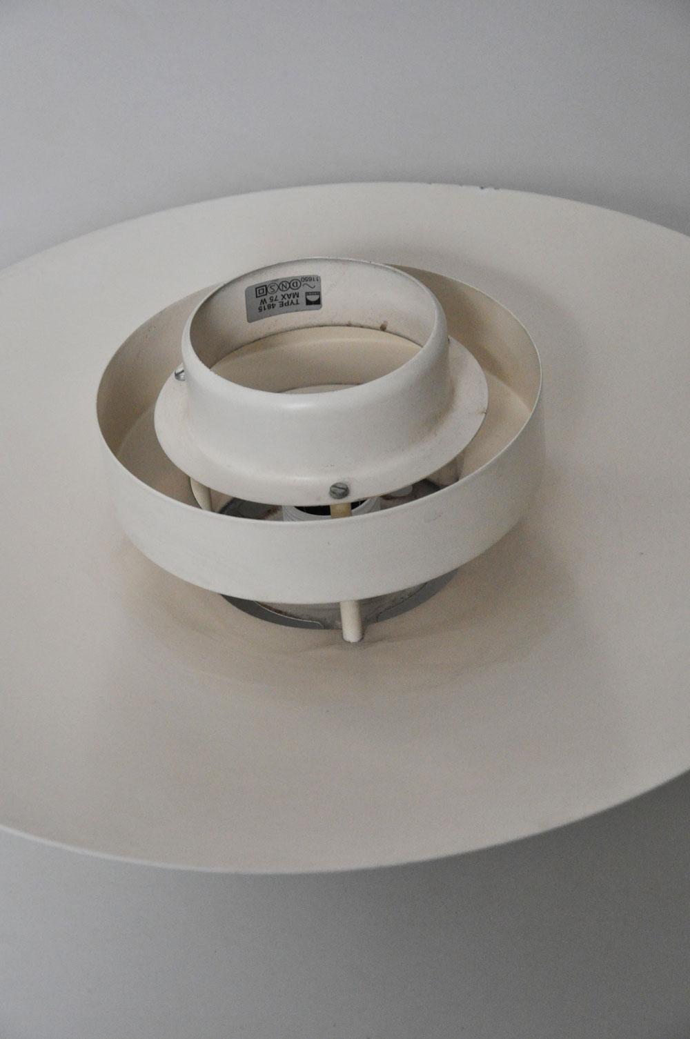 vendu plafonnier scandinave de simon henningsen l 39 amateur eclair. Black Bedroom Furniture Sets. Home Design Ideas