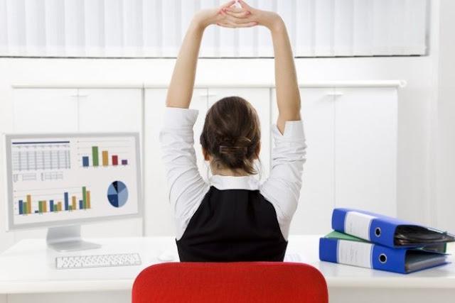 Πέντε χρήσιμες συμβουλές για όσους εργάζονται καθιστοί