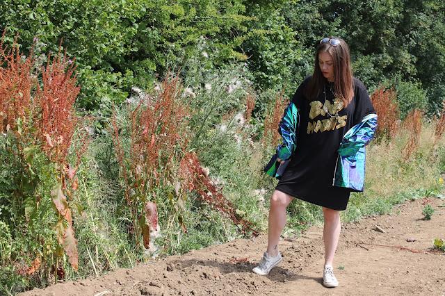 Bad Habits T-Shirt Dress, PrettyLittleThing, Cobie Green Holographic Rain Mac, Nicki Kinickie, Giveaway, Festival Looks,