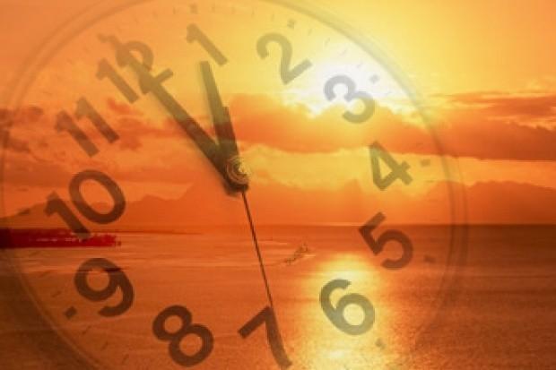 Adotado em três regiões do país, horário de verão termina no próximo domingo (18)