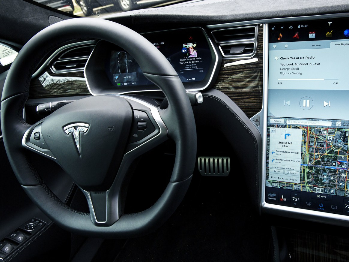 Tesla Motors sets timeline for 'fully self-driving' capabilities