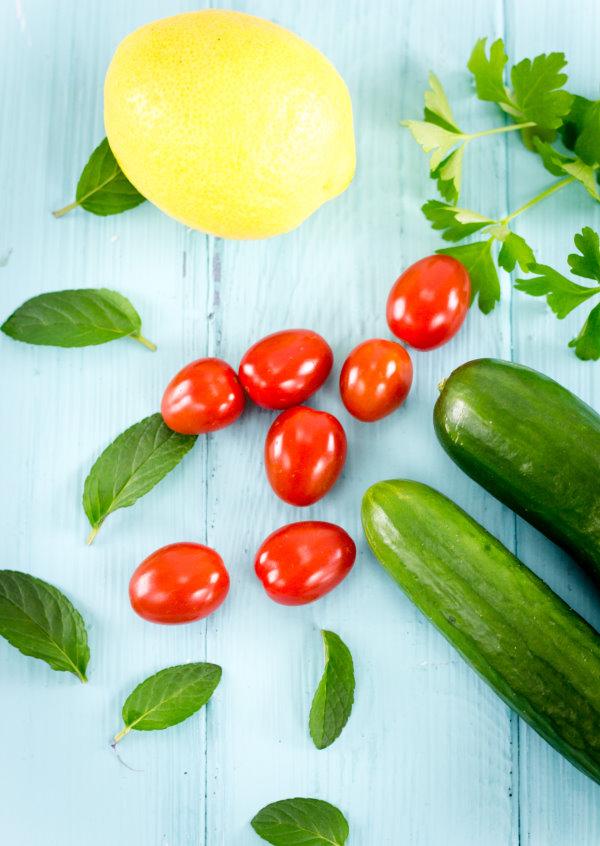 Frische Zutaten für den Salat