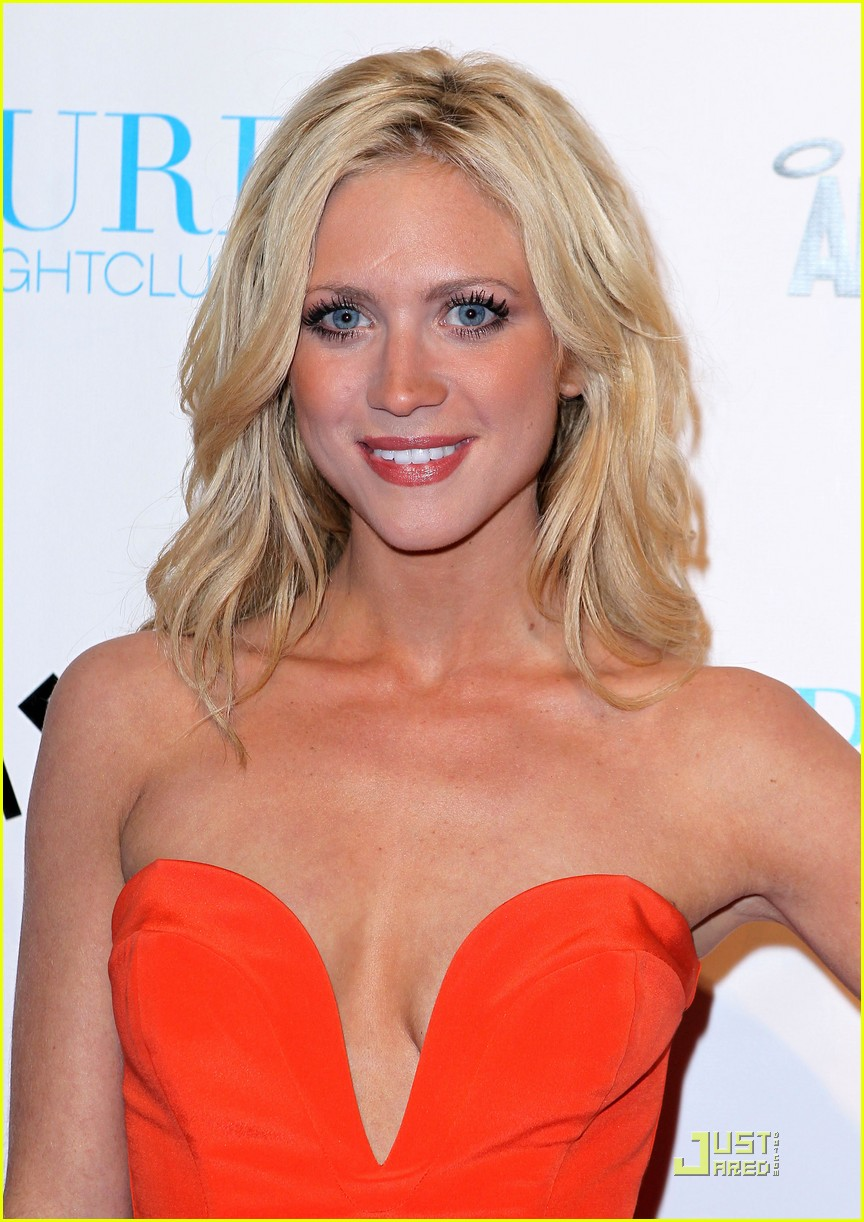 chichi allen: Brittany Snow 2012 Hot Images Free