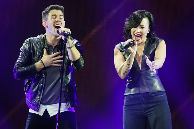 Demi Lovato y Nick Jonas cancelan conciertos en protesta a ley anti-LGBT