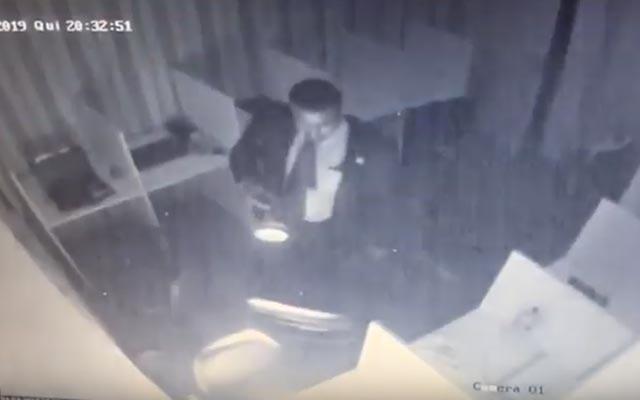 Deputado baiano acusa segurança da AL-BA de furtar objetos em seu gabinete; vídeo