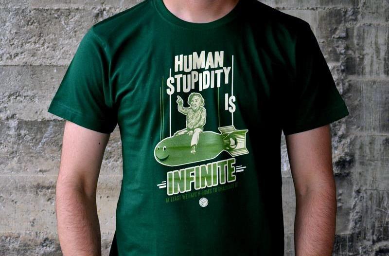 http://svoriginal.com/camisetas/934-camiseta-einstein.html