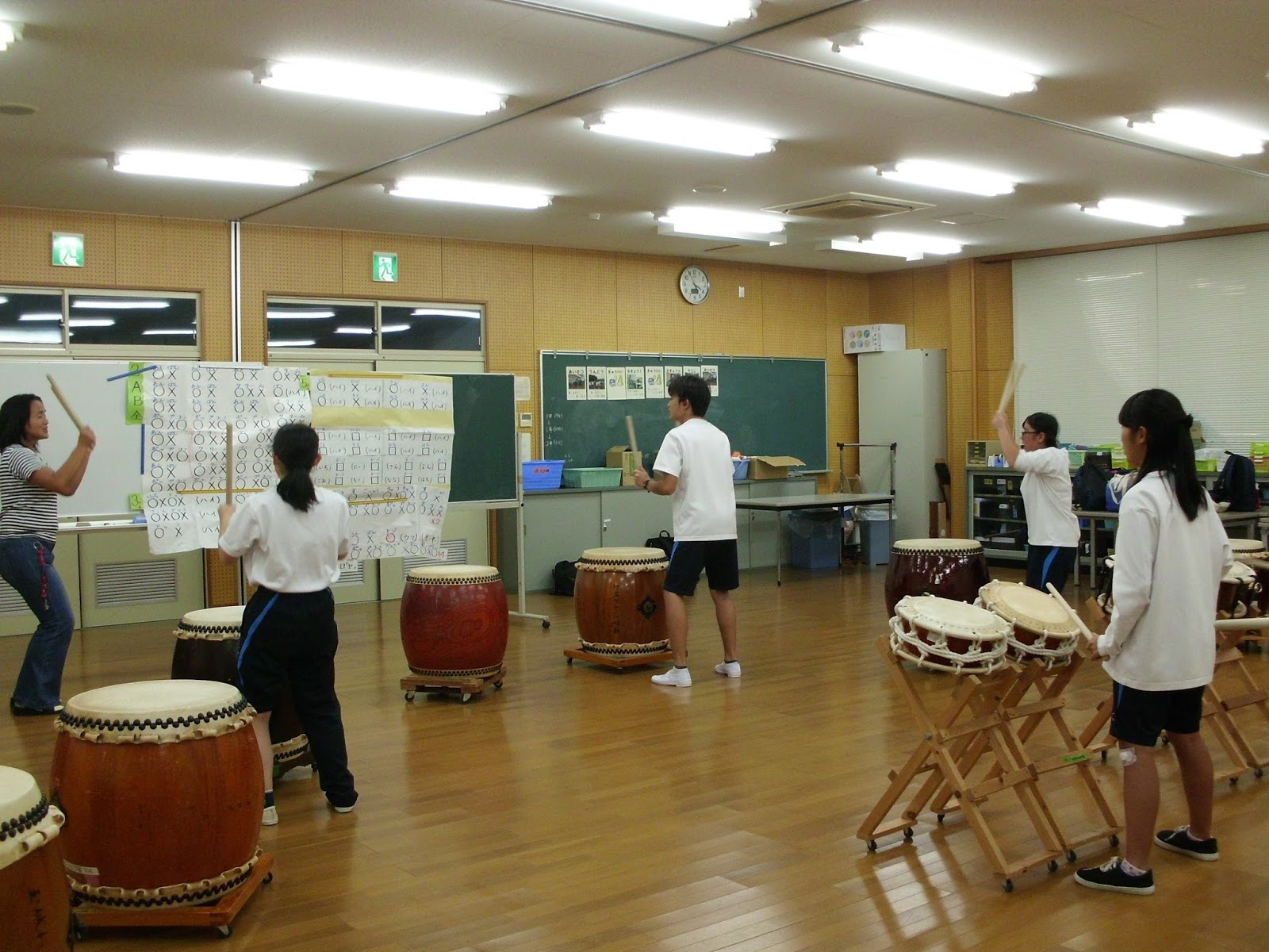 玉城わかば学園~和太鼓クラブ~: わかば祭に向けて 練習大詰め!