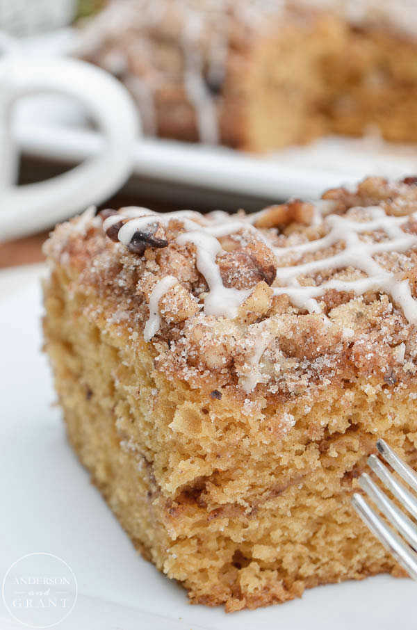 Spiced Pumpkin Coffee Cake Recipe for fall breakfast or dessert.  ||  www.andersonandgrant.com