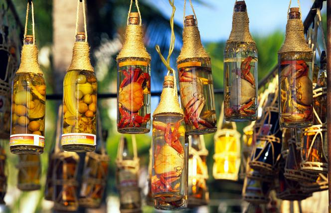Casa, Coisas e Sabores: Como fazer cachaça com caju dentro na garrafa