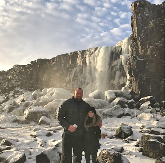 Games of Throne star, The Mountain, has a girlfriend half his size (photos)