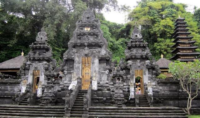 Destinasi%2BWisata%2Bdi%2BBali%2BGoa%2Blawah 5 Destinasi Wisata di Bali Bagian Timur yang  Wajib Anda Kunjungi