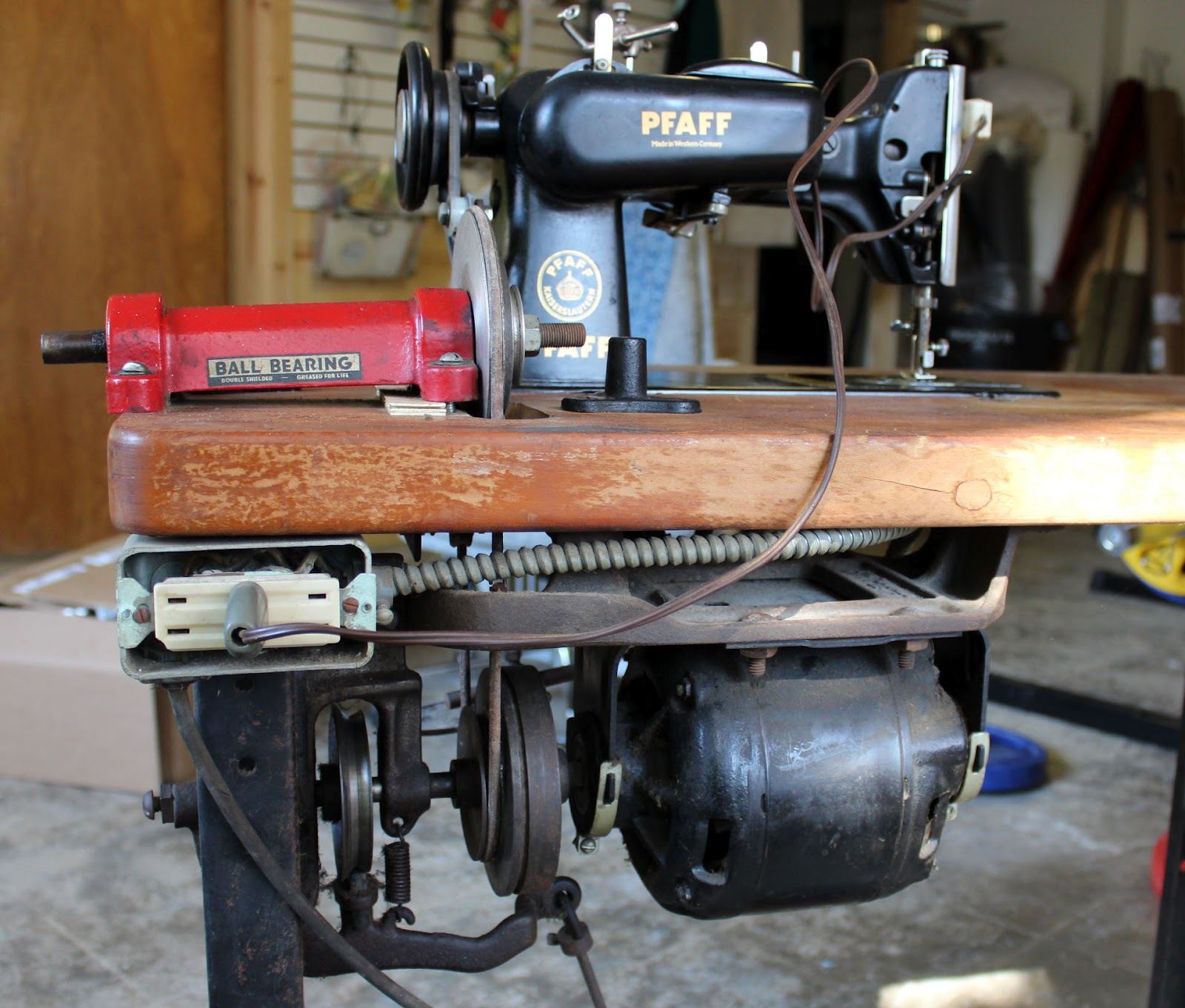 A Sewing Life: Pfaff 130 in an Industrial Table