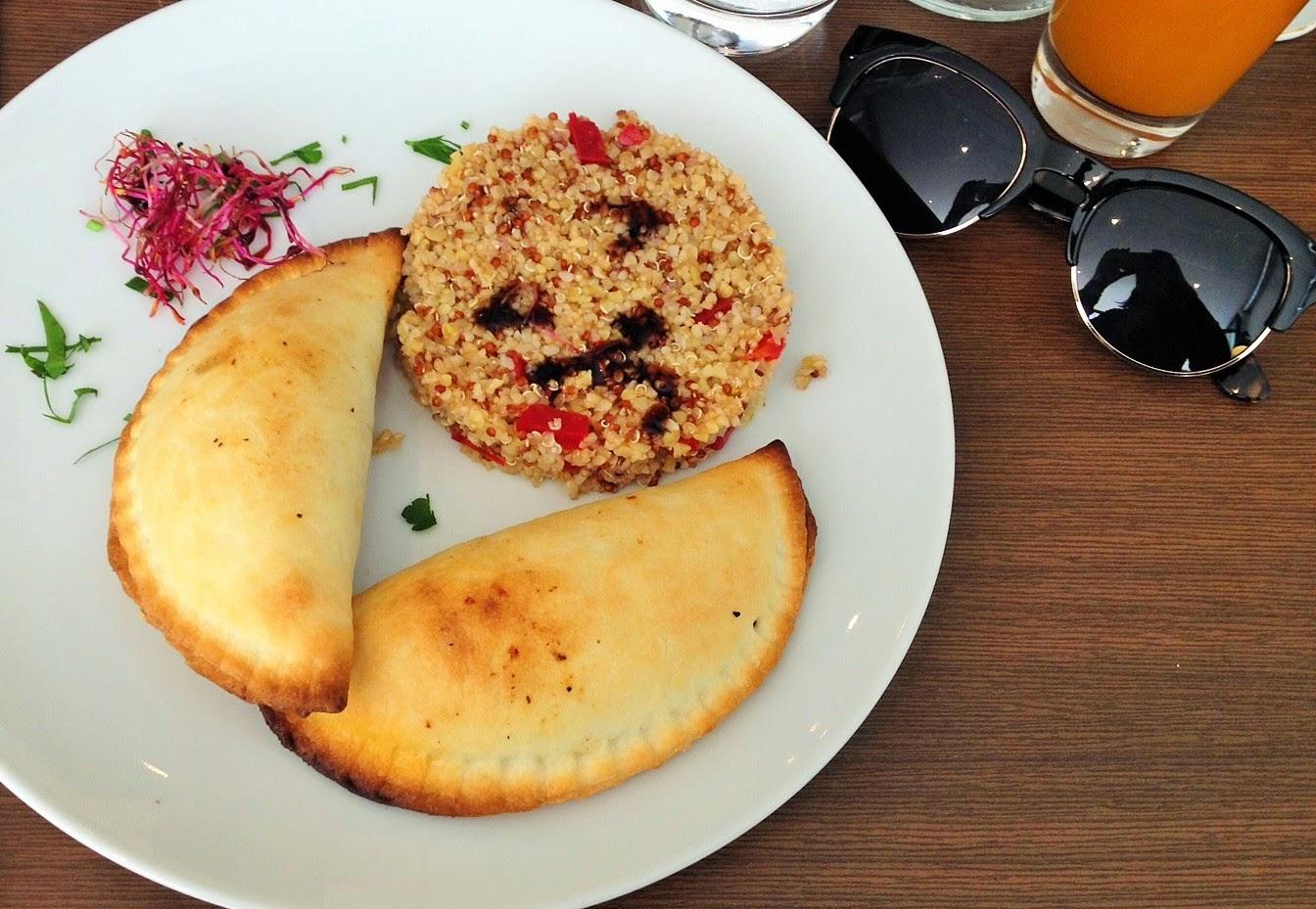 Le Strobi - restaurant - Paris place de clichy - empanadas de carne