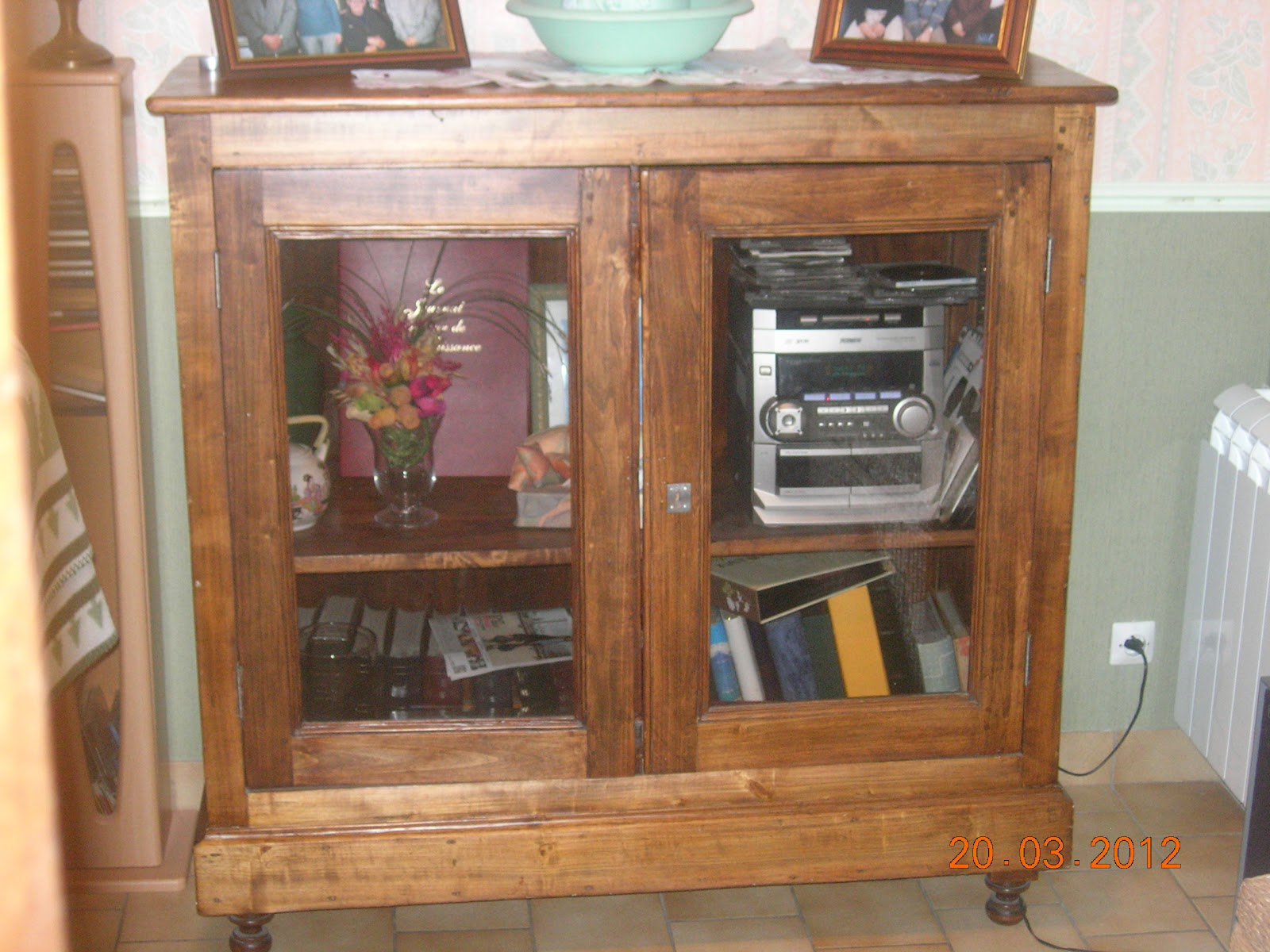 l 39 atelier d co du capagut sellete et meuble tv pour anne. Black Bedroom Furniture Sets. Home Design Ideas