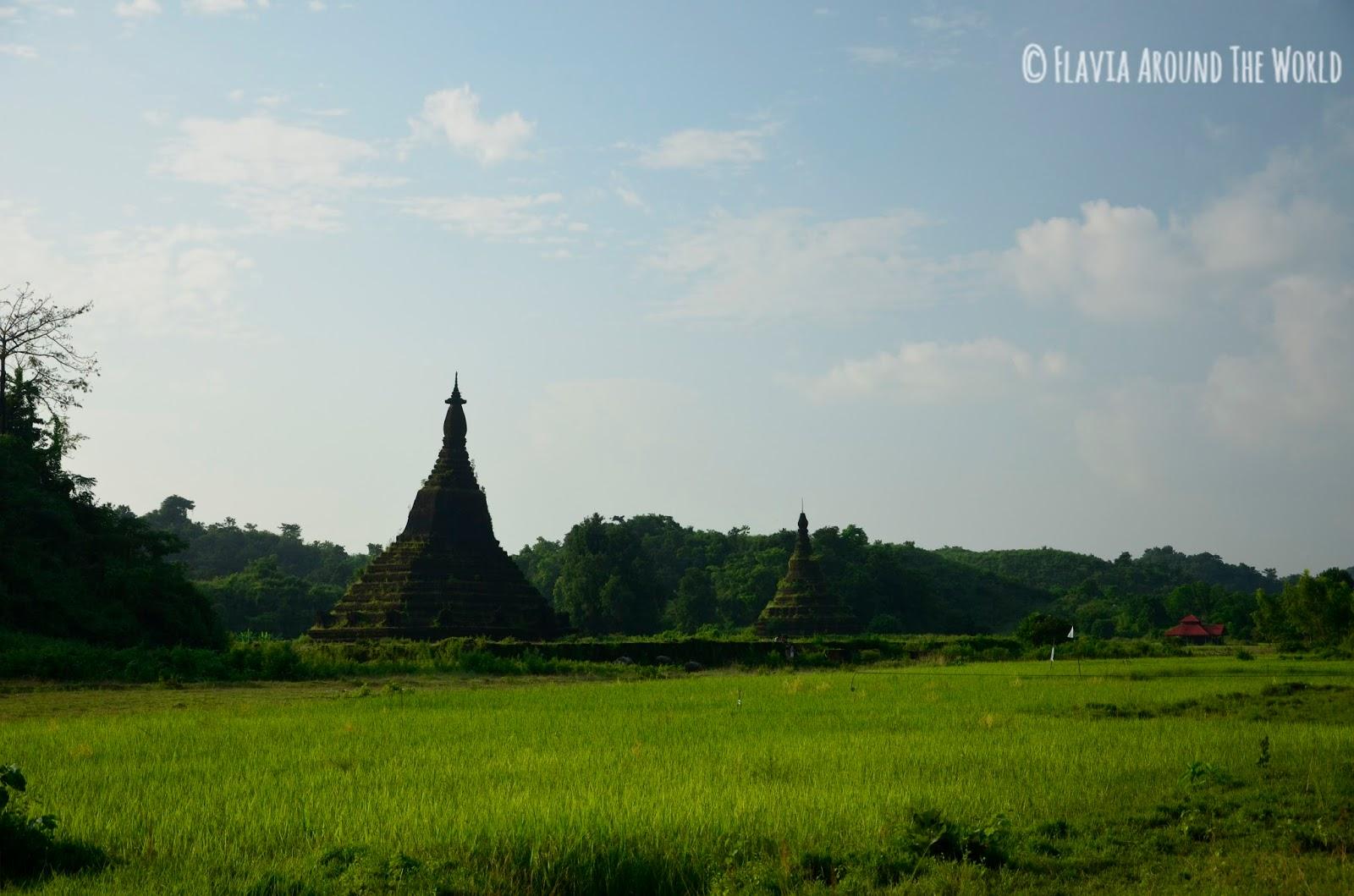 Templos de Laungbwanbrauk y Htaparron, Mrauk U, Myanmar