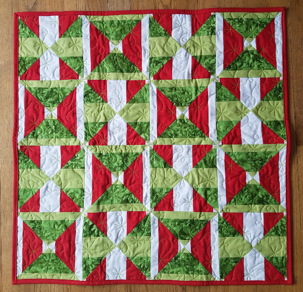 Christmas Knots and Crosses | DevotedQuilter.com