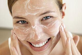 Cara Membuat Scrub Alami Untuk Perawatan Wajah dan Kulit Tubuh