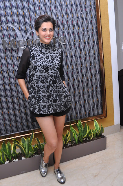 Taapsee Pannu at the opening of IQ The Lounge Bar at Mercure Hyderabad kCP-min