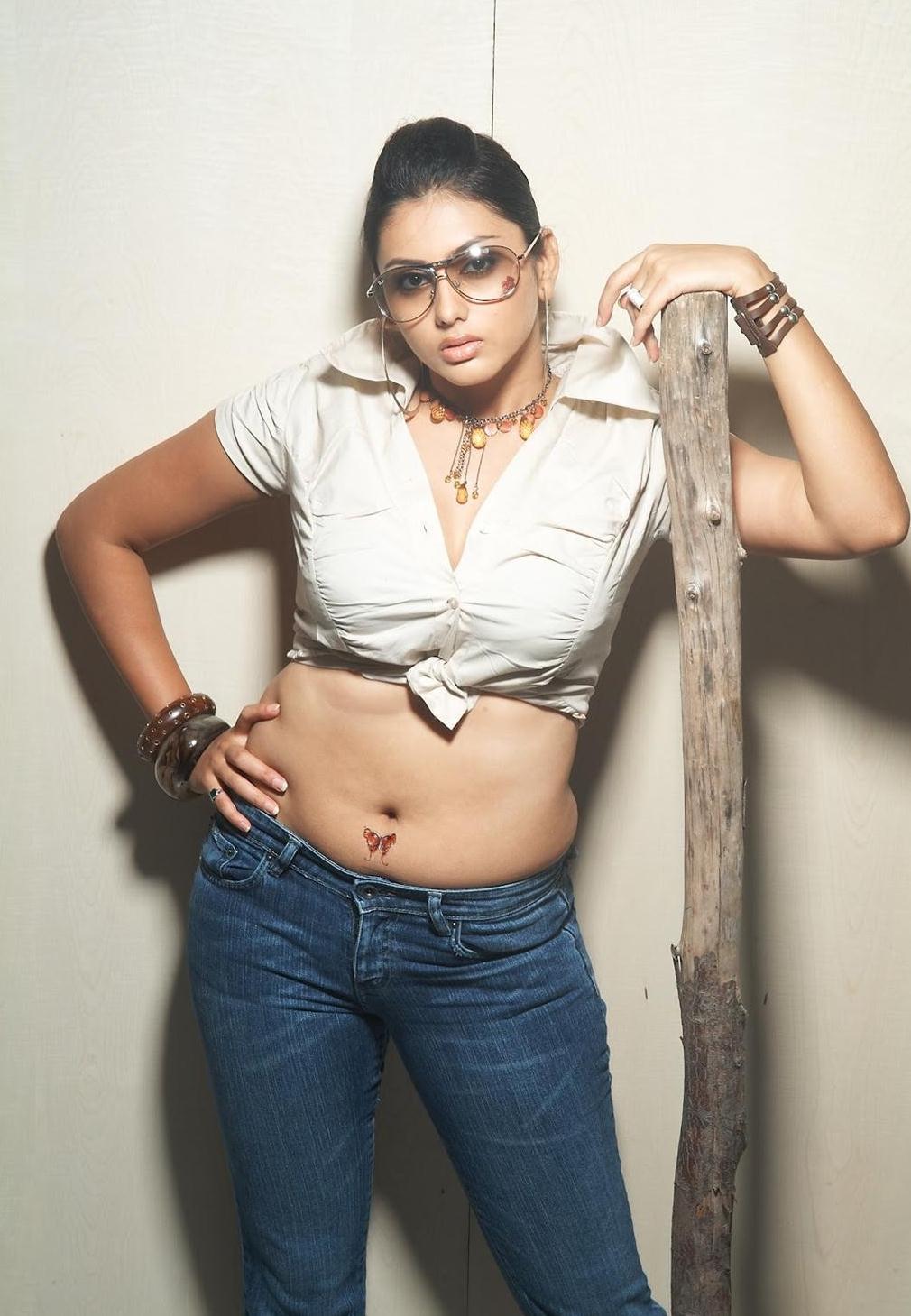 latest actress nude photos