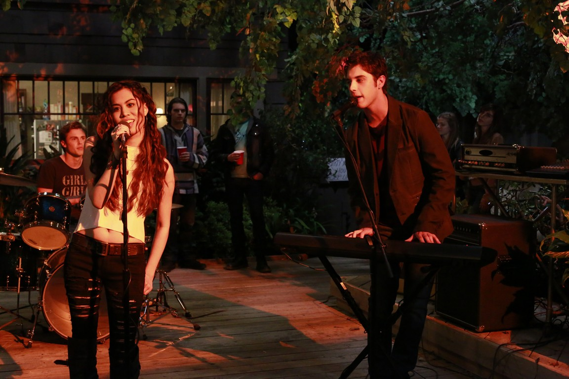 The Fosters - Season 2 Episode 03: Play