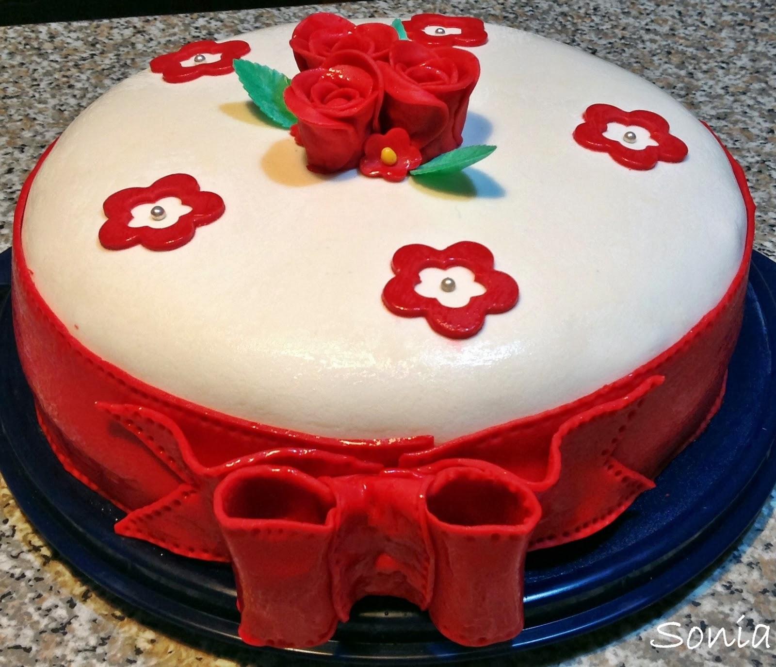Buon Compleanno Nonna Torta Di Rose Rosse In Pdz Vaniglia Zen