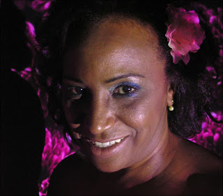 Carmen Queiroz é cantora de música popular brasileira. Foto: acervo Carmen Queiroz