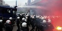 11%2Ba%2BBereitschaftspolizei%2Bpolizei%2Bdeutschland%2B%2Bpolizei_hamburg_rote_flora_demonstration%2Bwawe10%2Bcobra%2Bwasserwerfer