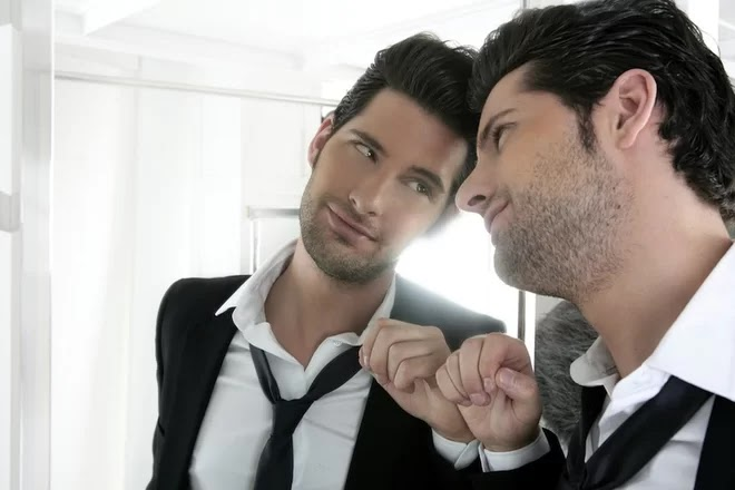 Stay Away From Narcissistic Men: They Ruin Your Happiness, Your Mind, Your Soul And Your Life