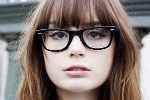 Kacamata Untuk Muka Bundar