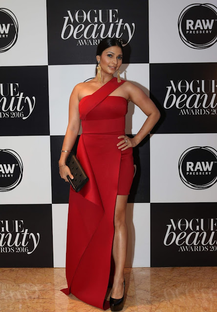 Bollywood Beauties At The Vogue Beauty Awards 2016