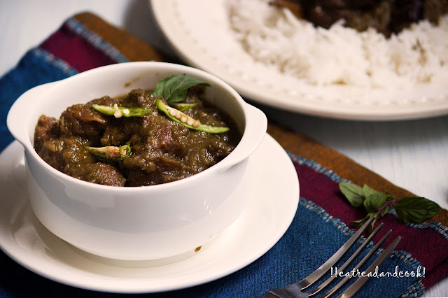 simple and easy Hara Masala Gosht recipe / Mutton in a Green spiced Sauce recipe with step by step pictures