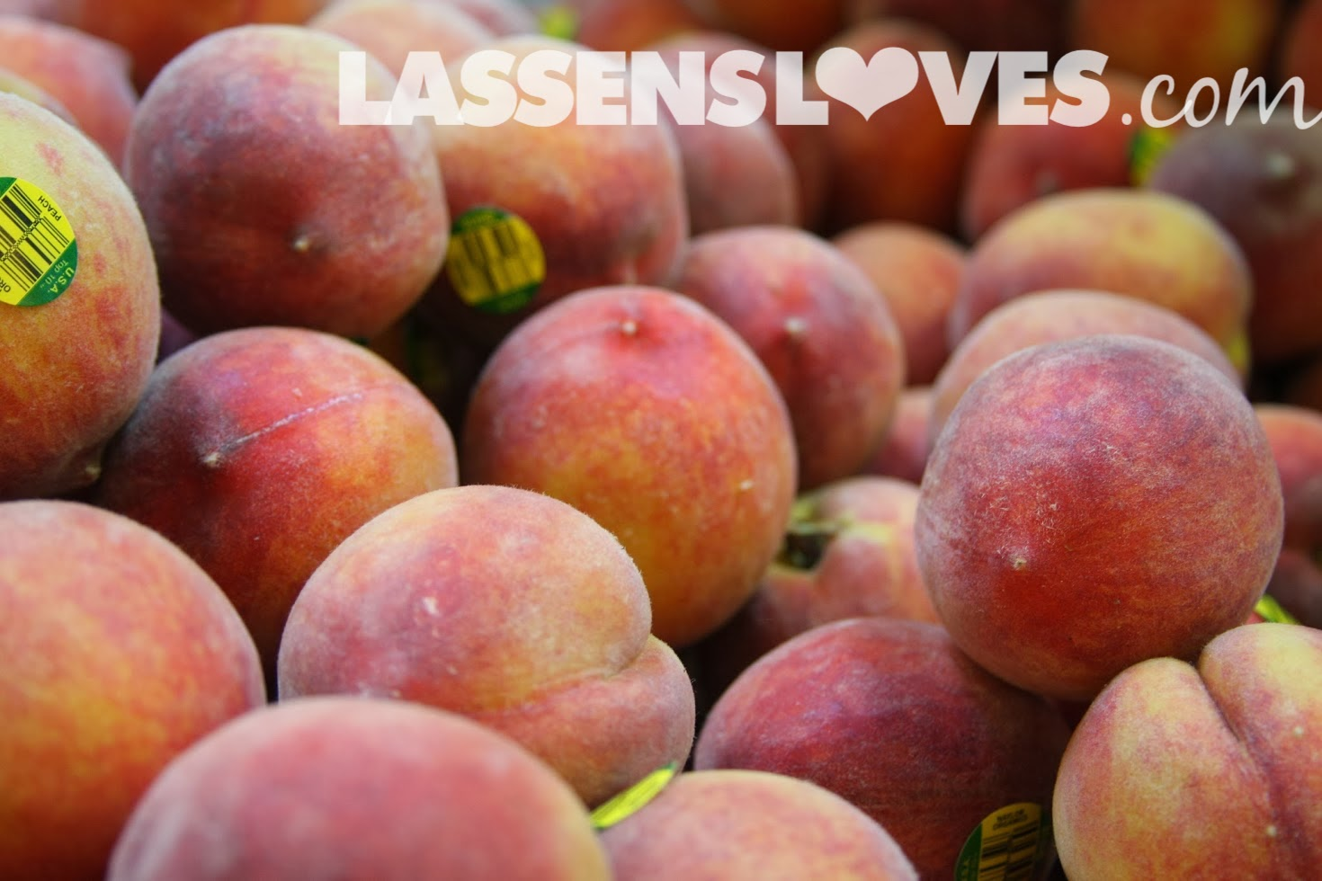 lassensloves.com, Lassen's, Lassens, organic+produce, why+eat+organic, peaches