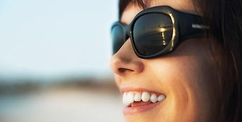 Fique alerta aos perigos dos óculos escuros falsificados para os olhos 8befaa1765