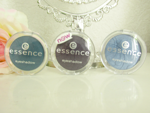 essence mono eyeshadows 79 lola petrola, 80 groovy grapes, 81 i am royalty