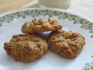 http://joysjotsshots.blogspot.com/2015/11/three-ingredient-peanut-butter-cookies.html