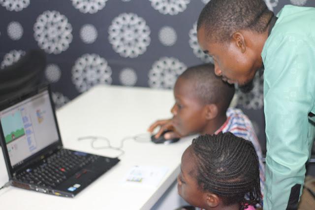 Teaching kids programming