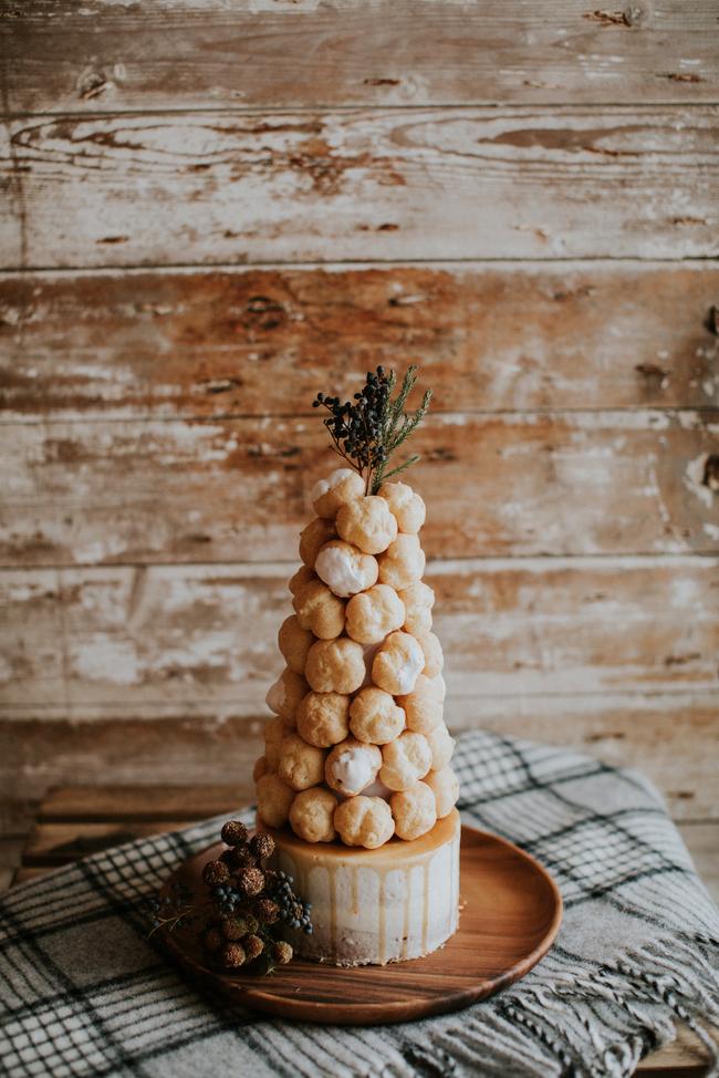 Tort weselny z Pączków, pączki weselne, tort weselny inne pomysły,  Tort weselny, przyjęcie weselne, wesele, słodki stół', słodkości na weselu, organizacja wesela, dekoracja stołu słodkiego, Inspiracje ślubne