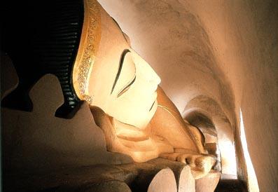 Manuha Temple Reclining Buddha
