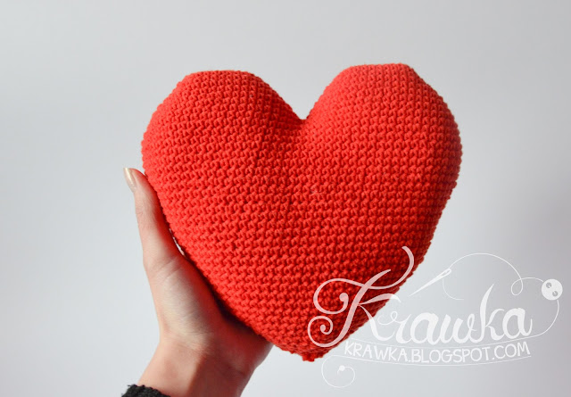Krawka: mini heart pillow crochet free pattern