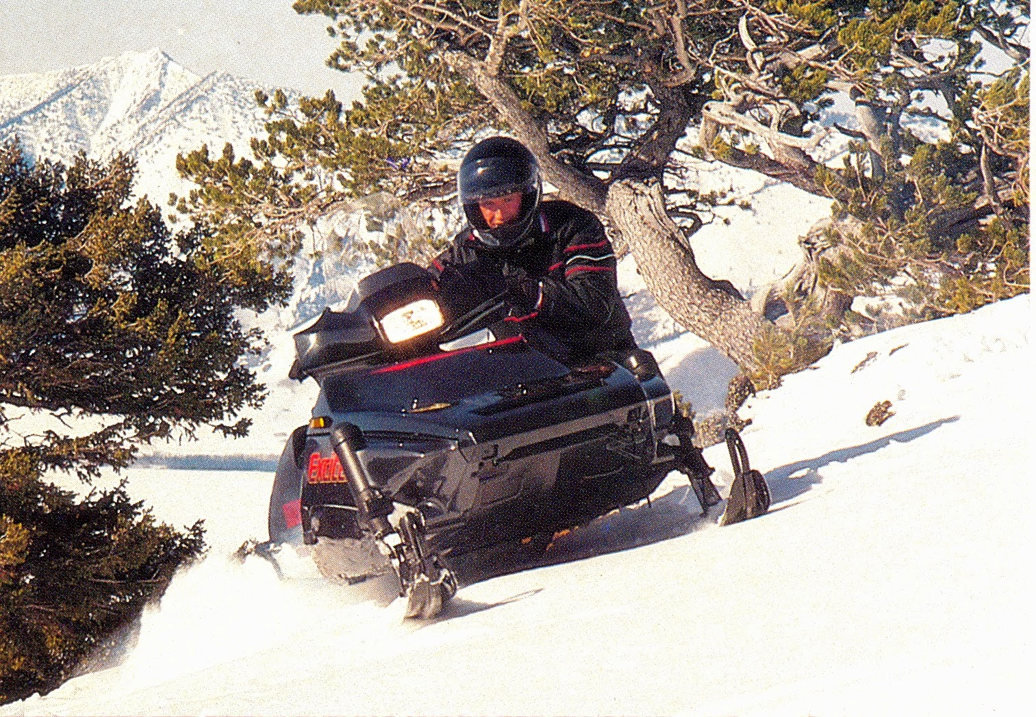 CLASSIC SNOWMOBILES OF THE PAST: September 2014