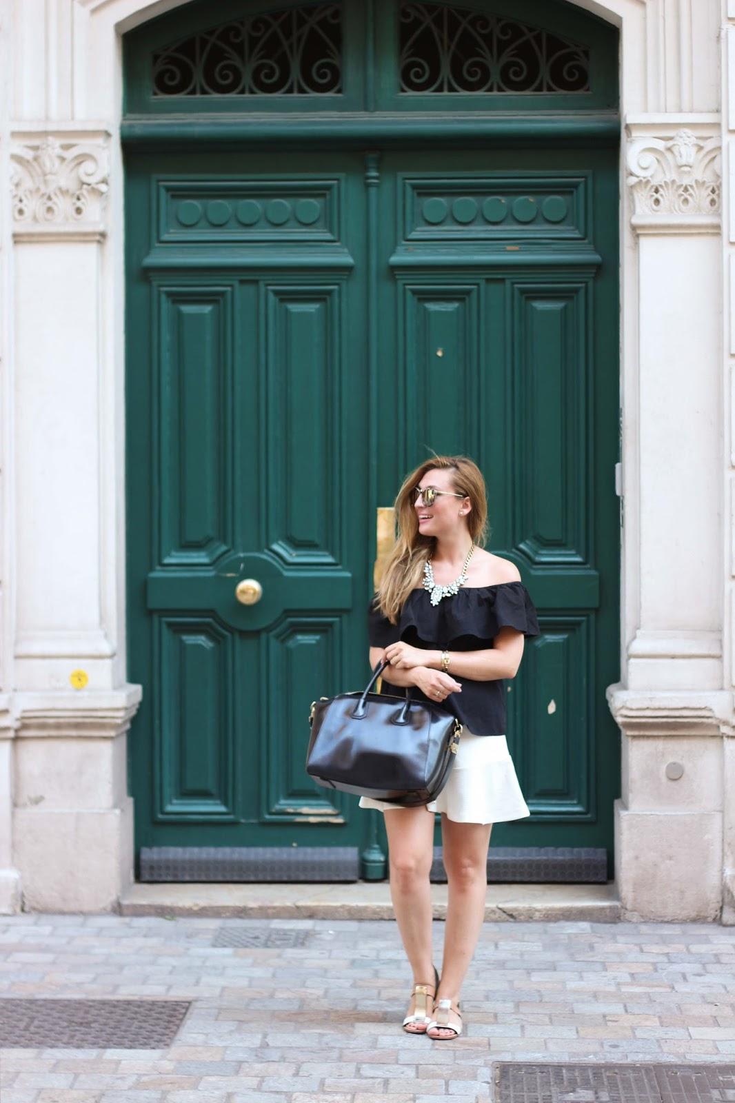 Fashionstylebyjohanna-Sommerlook-Cannes-Blogger im weißen Rock-Blogger aus Deutschland-Dseutsche Fashionblogger- Fashionblogger aus deutschland- Frankfurt Blogger -Blogger aus Frankfurt-OffShoulder Top.